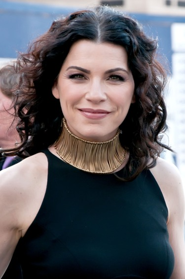 julianna-margulies-medium-black-curly-hair