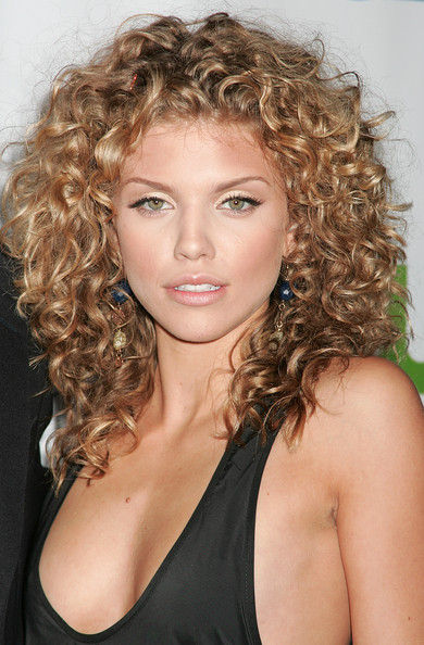 annalynne mccord � cool curly hair