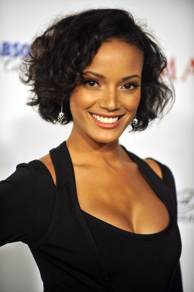 Selita-Ebanks-curly-bob-hairstyle