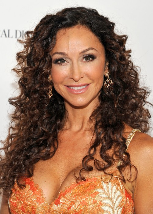 Sofia-Milos-Long-Curly-Hairstyles-for-Women-Over-40s