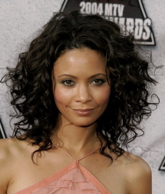 Thandie-Newton-Medium-Curly-Hair-Style