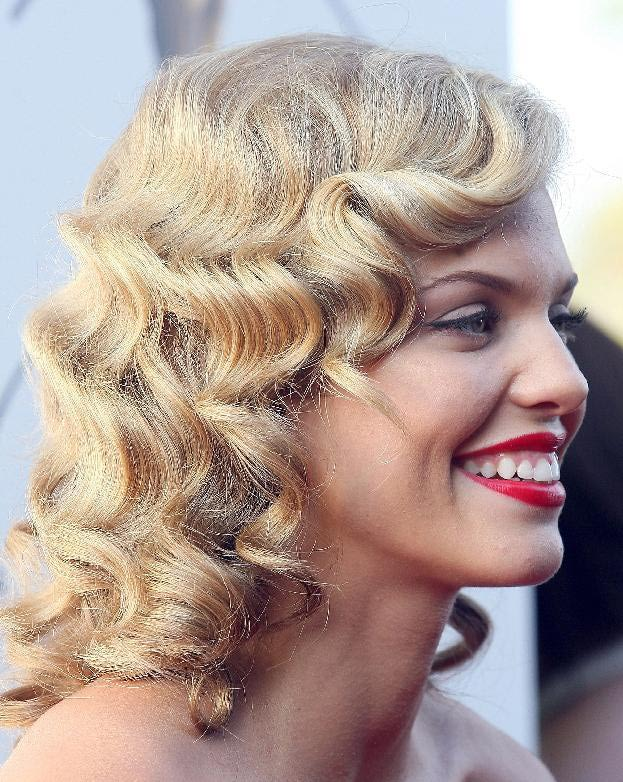 AnnaLynne McCord Medium Length Curly Hair Style