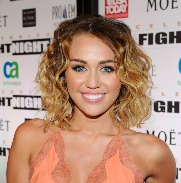 Miley Cyrus Medium Length Ombre Curly Hair Style