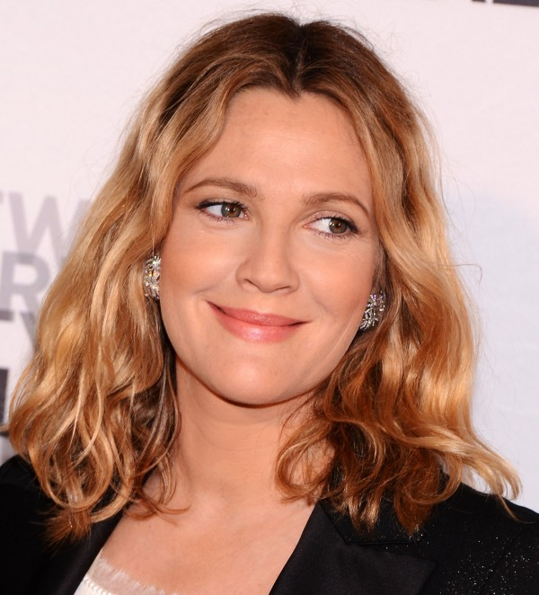 Drew Barrymore Medium Length Curly Hair Style
