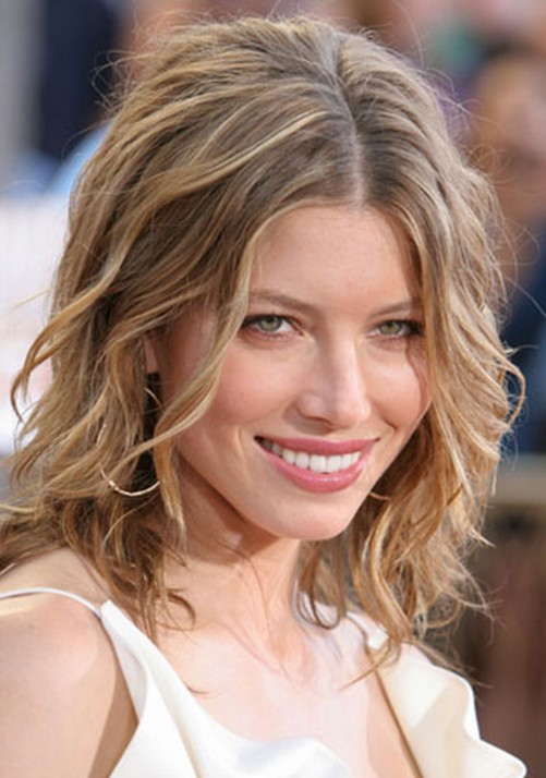 Jessica Biel Medium Length Curly Hair Style