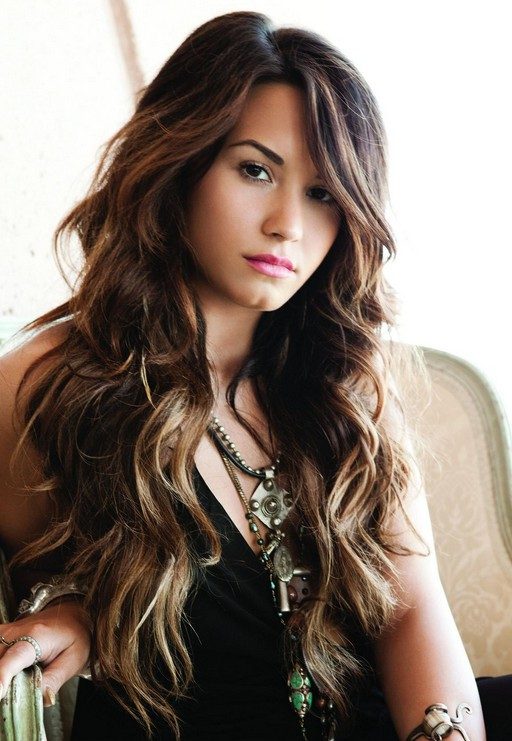 Demi Lovato Long Curly Hair Style