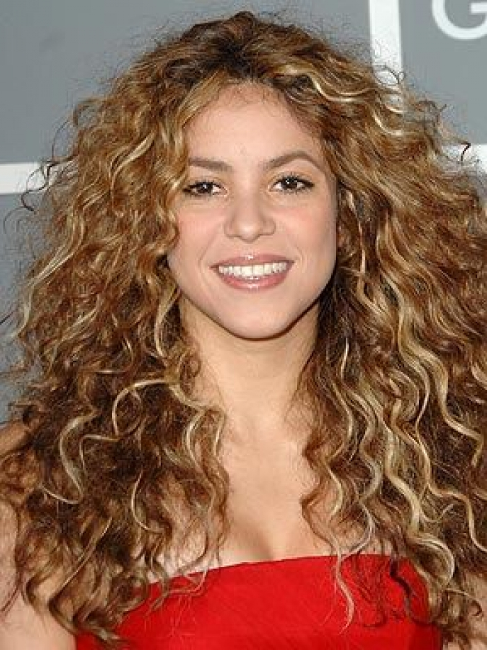 Shakira Long Curly Hair Style